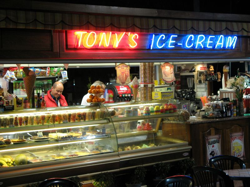 Malta, Tony's Ice Cream in Bugibba